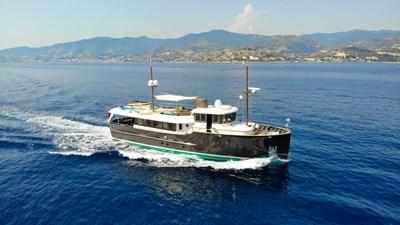 LIVINGSTONE 23 yacht-livingstone-running-1