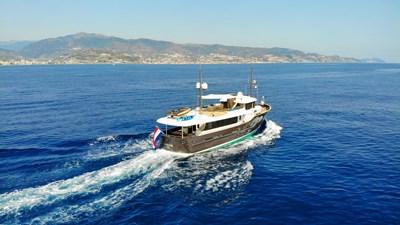 LIVINGSTONE 25 yacht-livingstone-running-3