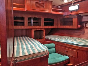 HELL'S BELLES 7 Owner's Cabin, Looking Aft