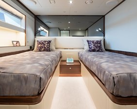 THE ROCK 29 Port Twin Stateroom