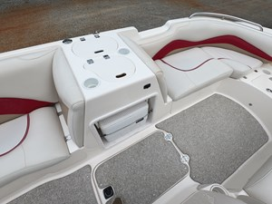 2006 Hurricane FunDeck GS202 17 GOPR7050