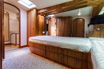 Loner 44 67_hines_farley_loner_starboard_guest_stateroom_5