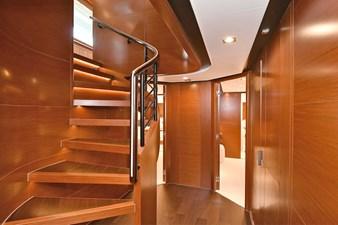 NEVERLAND 10 Guest Stairwell
