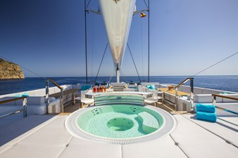 AQUIJO 4 AQUIJO 2016 OCEANCO  Cruising Ketch Yacht MLS #272776 4