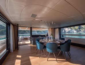 MyOhana 26 upper deck: dining table