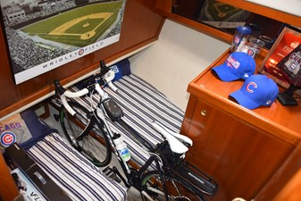 OLD SCHOOL 29 Guest Stateroom