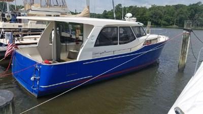 Recharging 1 Recharging 2014 GREENLINE 33 Cruising Yacht Yacht MLS #272806 1