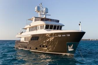 ACALA  4 ACALA  2015 CANTIERE DELLE MARCHE Darwin 102 Motor Yacht Yacht MLS #272829 4