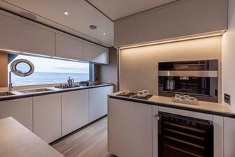 Ferretti Yachts 1000 11