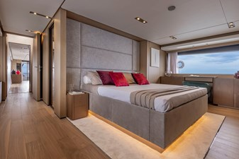 Ferretti Yachts 1000 13