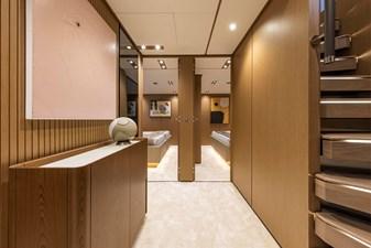 Ferretti Yachts 1000 18