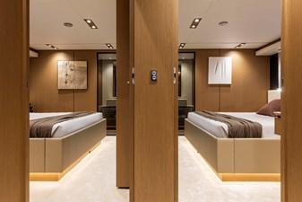 Ferretti Yachts 1000 19