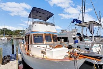 Marine Trader 34 Sundeck 2 Marine Trader 34 Sundeck 1984 MARINE TRADER  Trawler Yacht Yacht MLS #272845 2