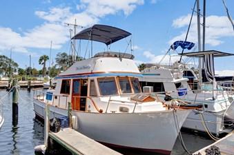 Marine Trader 34 Sundeck 3 Marine Trader 34 Sundeck 1984 MARINE TRADER  Trawler Yacht Yacht MLS #272845 3
