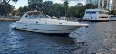 Bella Vita 0 Bella Vita 2001 CRUISERS YACHTS 4270 Express Cruising Yacht Yacht MLS #272847 0