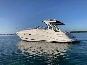 2013 Four Winns Vista 375 @ Cancun 1 2013 Four Winns Vista 375 @ Cancun 2013 FOUR WINNS Vista 375 Cruising Yacht Yacht MLS #272881 1