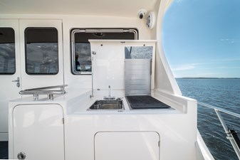 Nautical Nut 39 Upper Aft Deck Grill