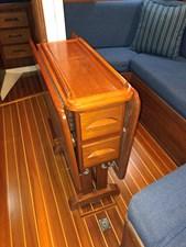 LUNA 8 Salon Table Folded