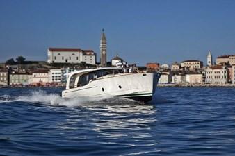 2022 GREENLINE 40 5 2022 GREENLINE 40 2022 GREENLINE 40 Motor Yacht Yacht MLS #272937 5