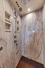 DOLPHIN WAY II 84 Master Shower