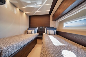 DOLPHIN WAY II 91 Starboard Stateroom