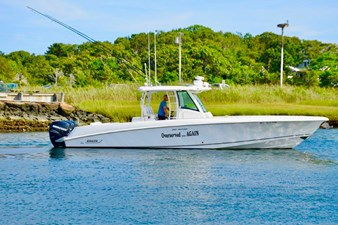 OVERSERVED AGAIN 0 35' Boston Whaler 2015, OVERSERVED AGAIN