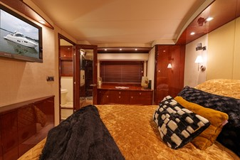 PERSPECTIVE 30 Master stateroom view 2