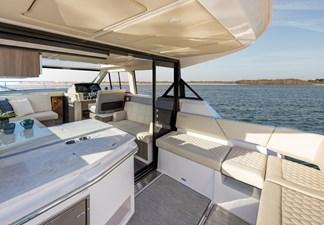 2021 Regal 38 XO 6 2021 Regal 38 XO 2021 REGAL 38 XO Cruising Yacht Yacht MLS #272979 6