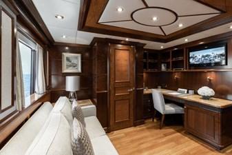 MIA ELISE II 10 Owner's Study/Office