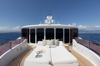 MIA ELISE II 42 Owner's Private Deck