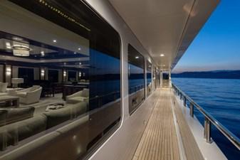 MIA ELISE II 46 Main Deck - Starboard