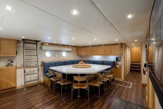 MIA ELISE II 48 Crew Lounge