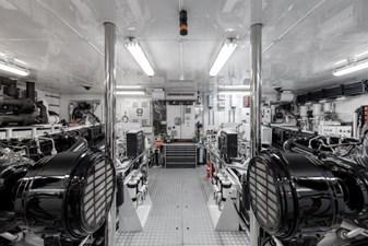 MIA ELISE II 51 Engine Room