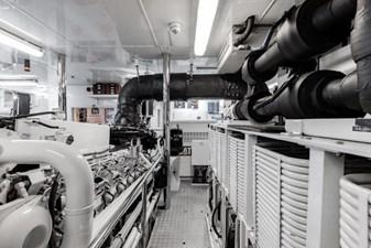 MIA ELISE II 52 Engine Room