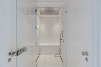 ESTEL 21 Master shower room