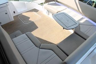 Restless 10 Cockpit Seating