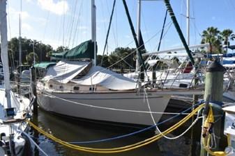SEA TRYST 3 SEA TRYST 1993 ISLAND PACKET YACHTS 38 Cruising Sailboat Yacht MLS #273005 3