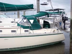 1999 Caliber 40 LRC 2 1999 Caliber 40 LRC 1999 CALIBER YACHT GROUP 40 LRC Cruising Sailboat Yacht MLS #273028 2
