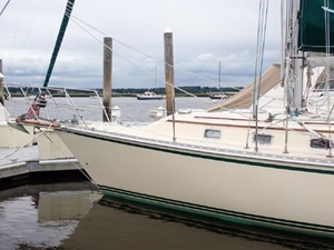 1999 Caliber 40 LRC 3 1999 Caliber 40 LRC 1999 CALIBER YACHT GROUP 40 LRC Cruising Sailboat Yacht MLS #273028 3