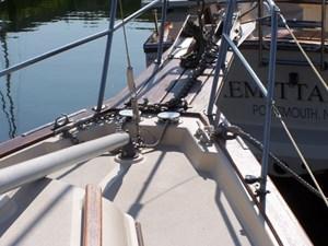 1991 Island Packet 29 Cutter 7 1991 Island Packet 29 Cutter 1991 ISLAND PACKET YACHTS 29 Cutter Cutter Yacht MLS #273032 7