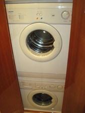 Reel Friends 18 washer & dryer