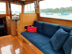 ATLAS 3 Main salon starboard