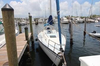 36' Hunter Marine 1981 2 36' Hunter Marine 1981 1981 HUNTER  Cruising Yacht Yacht MLS #273054 2