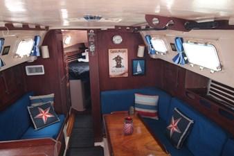 36' Hunter Marine 1981 33