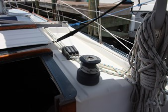 36' Hunter Marine 1981 35