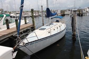 36' Hunter Marine 1981 7 36' Hunter Marine 1981 1981 HUNTER  Cruising Yacht Yacht MLS #273054 7