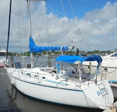 DAFFY 1 DAFFY 1986 HUNTER  Cruising Sailboat Yacht MLS #273055 1