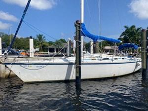 DAFFY 4 DAFFY 1986 HUNTER  Cruising Sailboat Yacht MLS #273055 4
