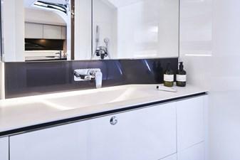 Princess R35 5 r35-bathroom_01