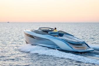 Princess R35 1 r35-exterior-ice-blue-hull
